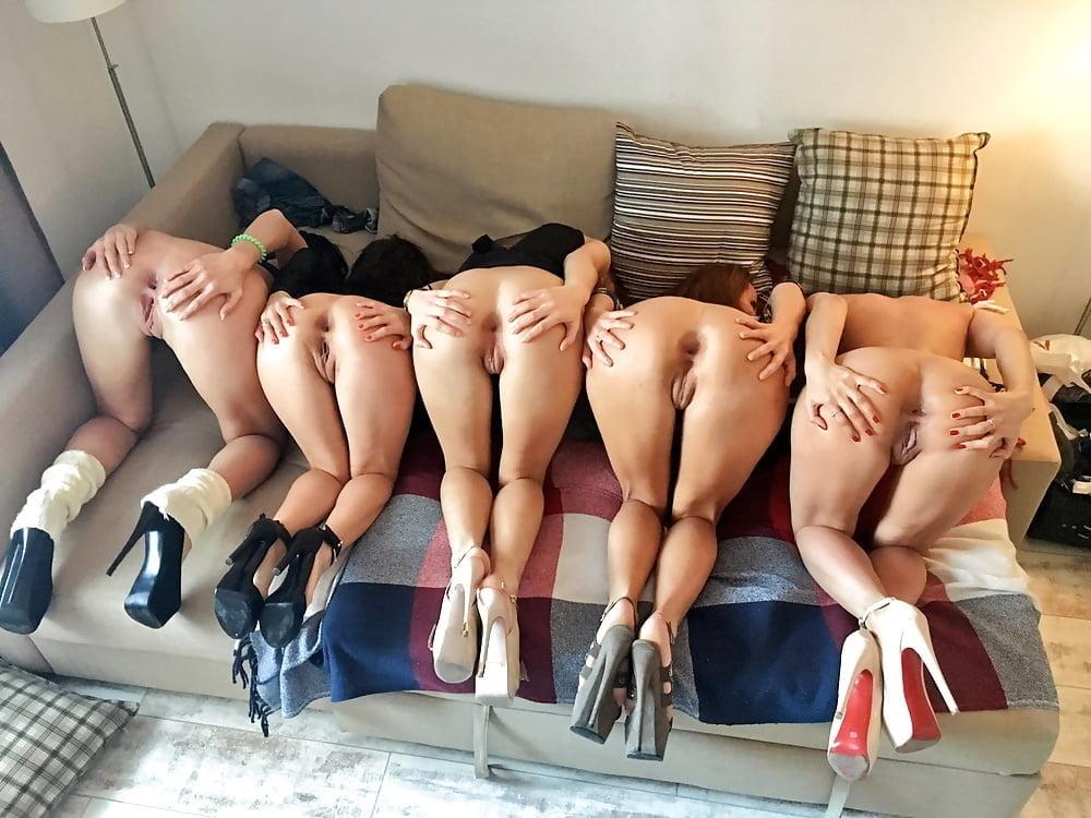 негр ебет порно онлайн групповое стоят раком в ряд снимки продолжают