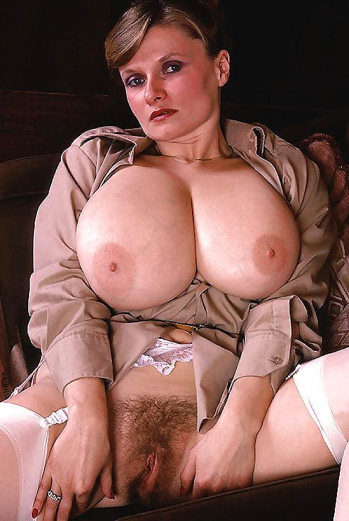 Sally Boothe Busen Vintagehuge Tits Retrokitten Natividad Zoig 1