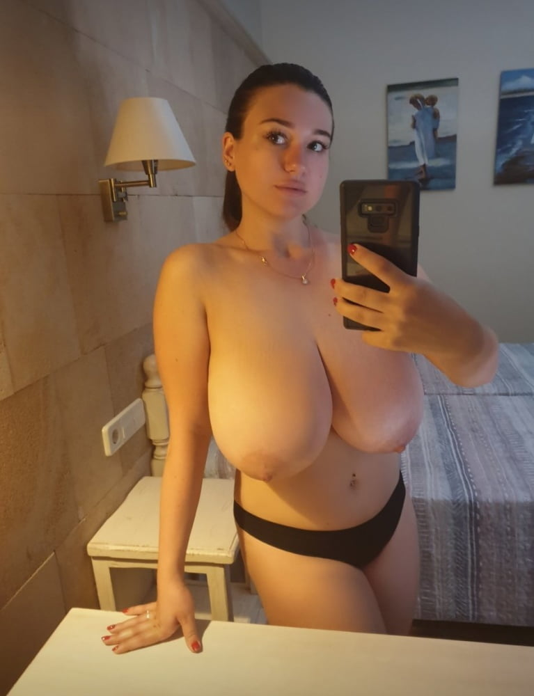 Webtastic Special: Bigger Hangers Vol.24 - 100 Pics