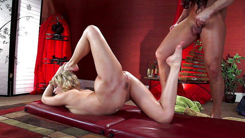 Acrobatic sex video — photo 4
