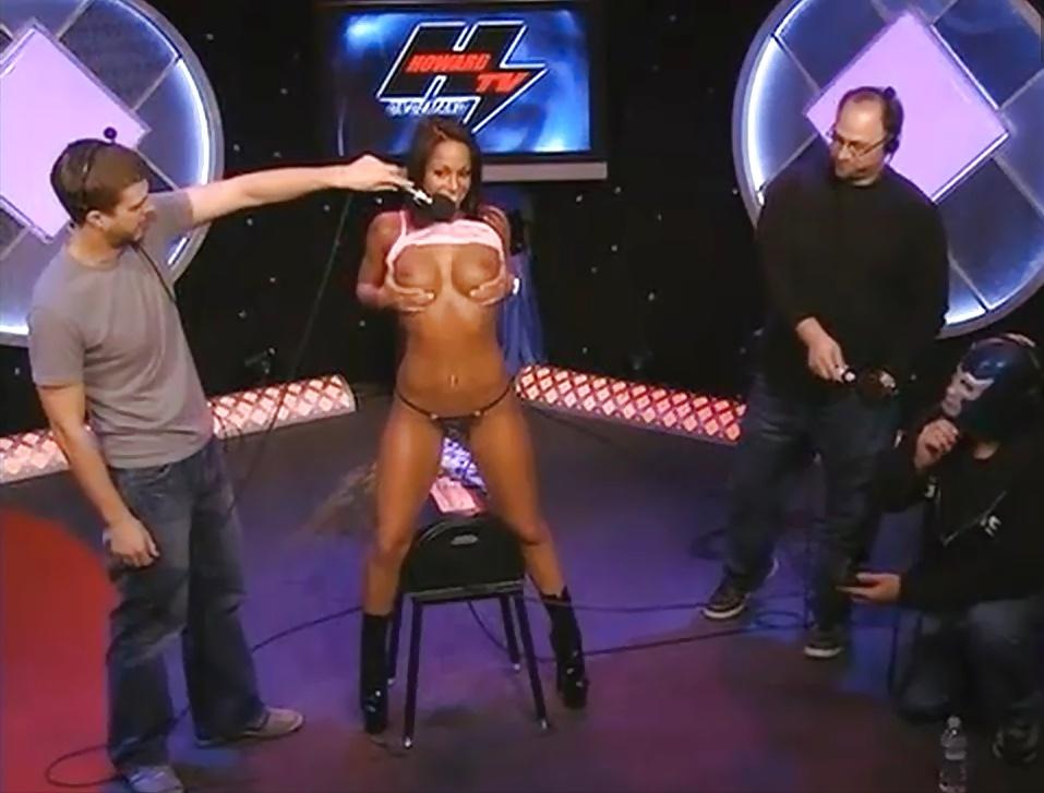 Pornstars testing a fucking machine on howard stern tnaflix porn pics