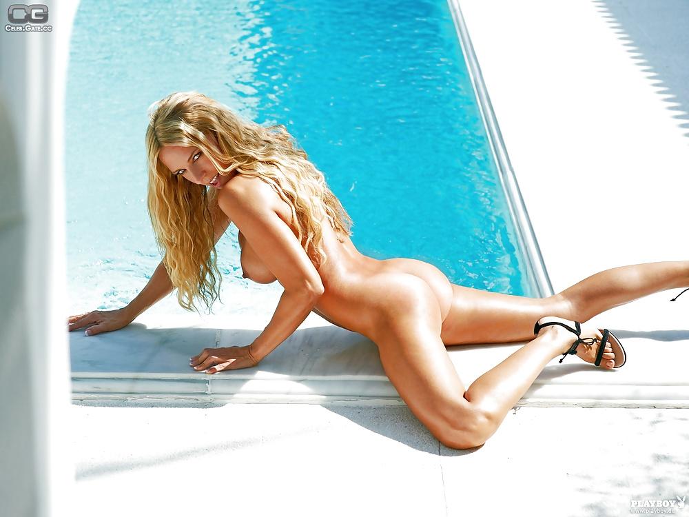 Naked dominique van hulst