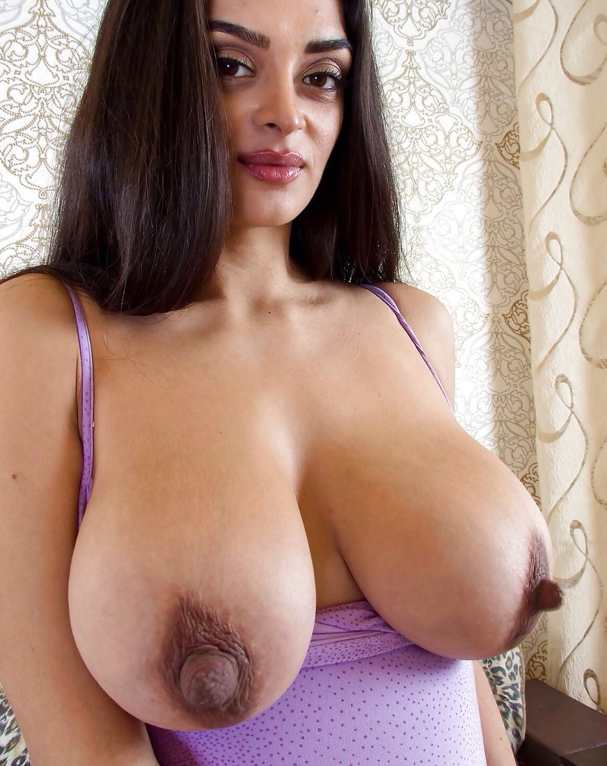 woman-naked-erect-boobs-of-big-women-beauty-pagent-nude