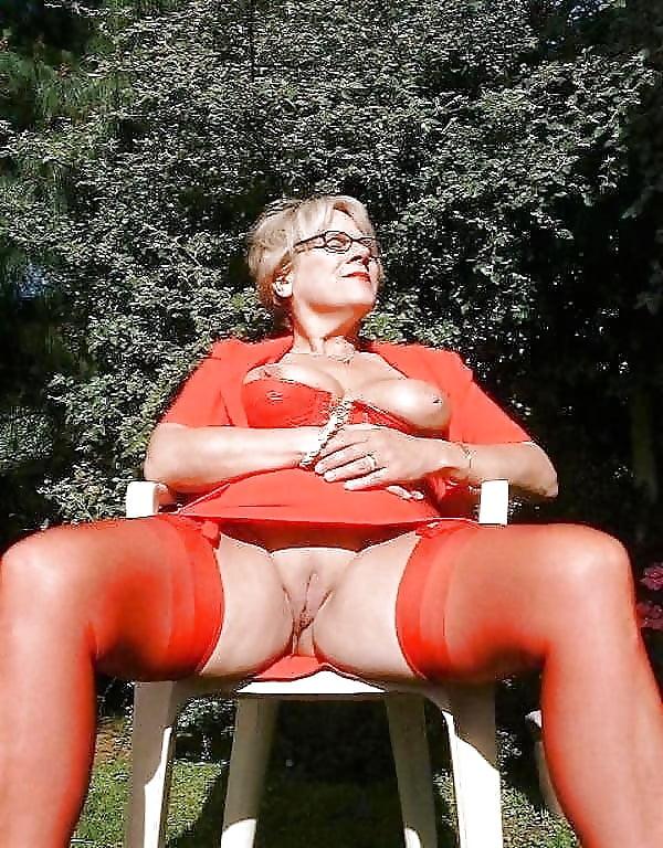 mature-embarrassing-lady-pics-huge-adult-cock-fucking-boys