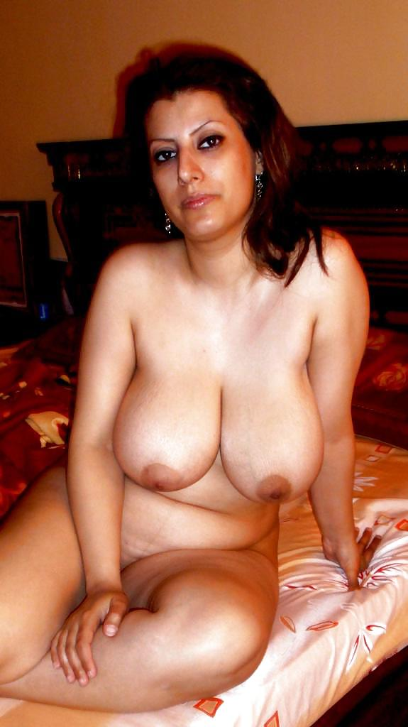 Arab aunties nude boobs images