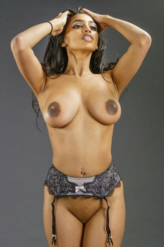 Persian female model nude 9