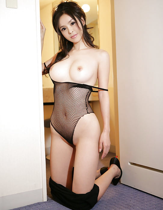 sexy-milf-korean-busty-arabic-actress-naked-pics