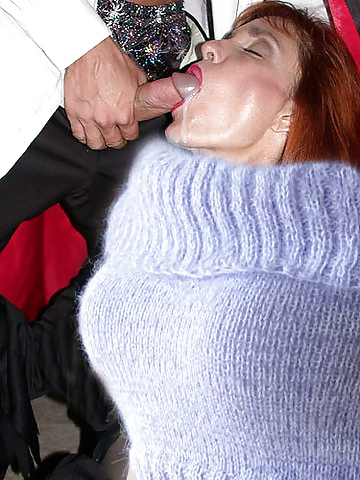 Amazingly hot blonde girl sweater hardcore sex