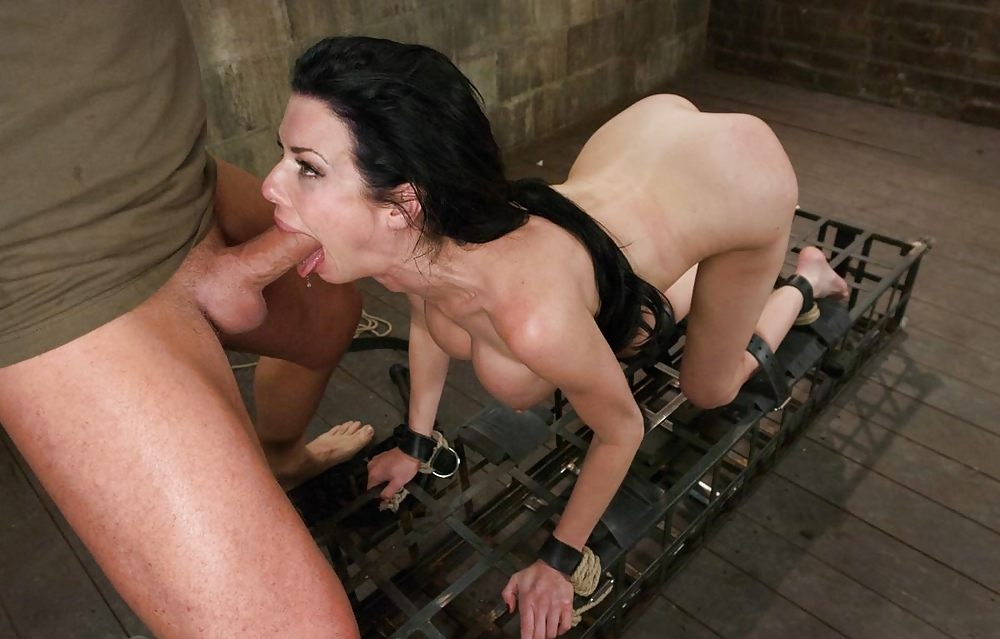 oral-sex-bondage-guy
