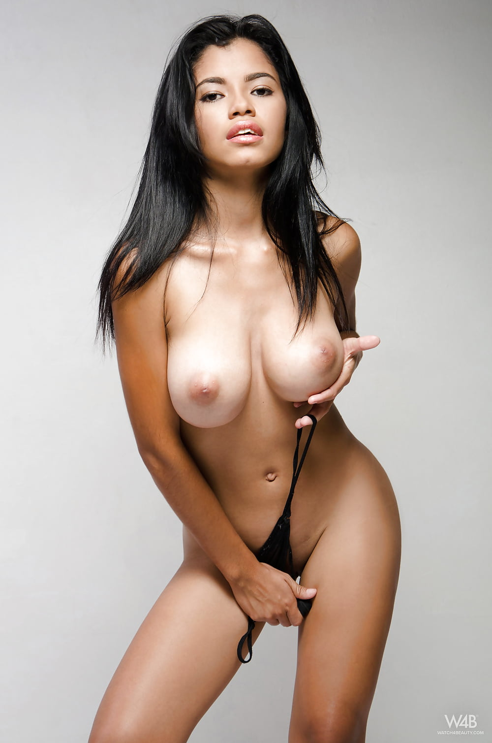 nude-colombian-beauties-naked