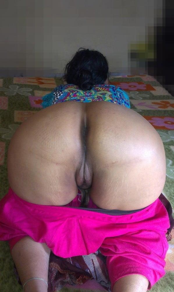 Indian Desi Aunty Gaand