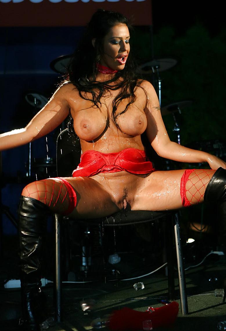 Клаудия феррари каталог порно актрис, мокрые телки смотреть