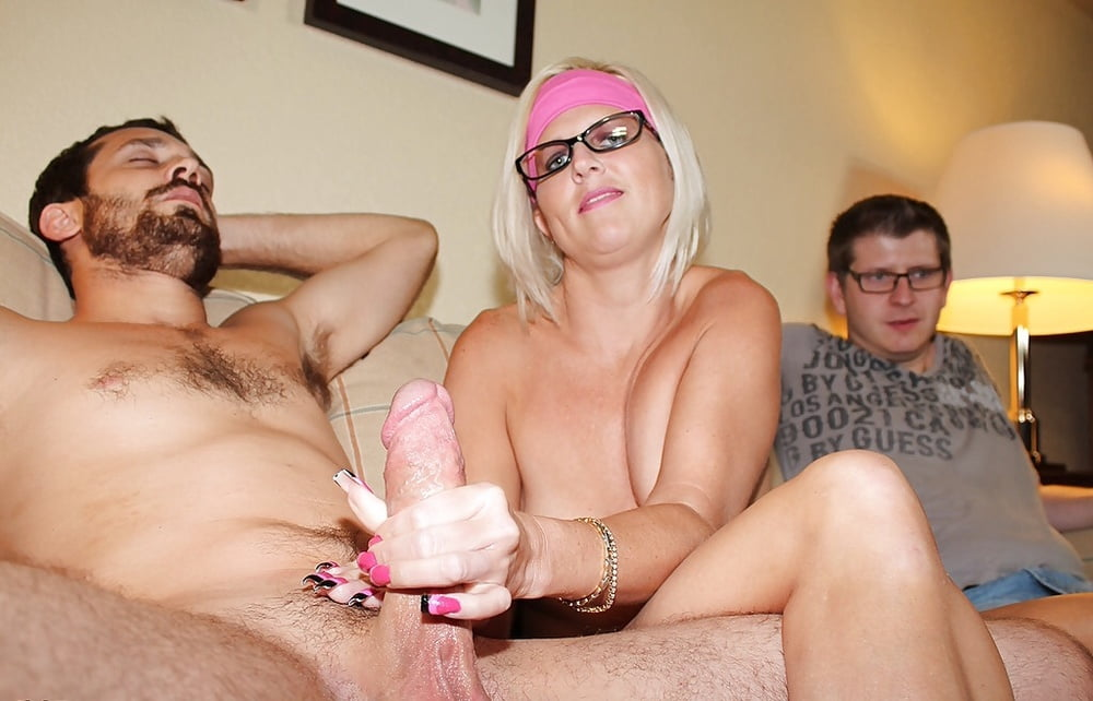 xxx-men-jerking-off-watching-wife