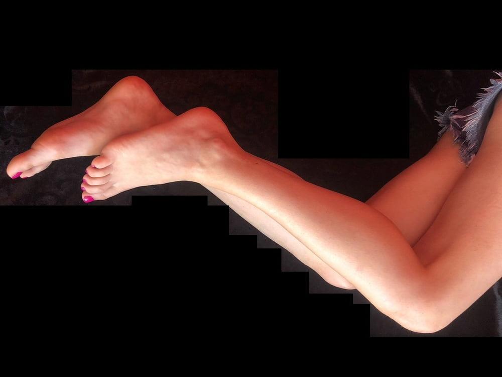 Lesbian feet fetish-3867