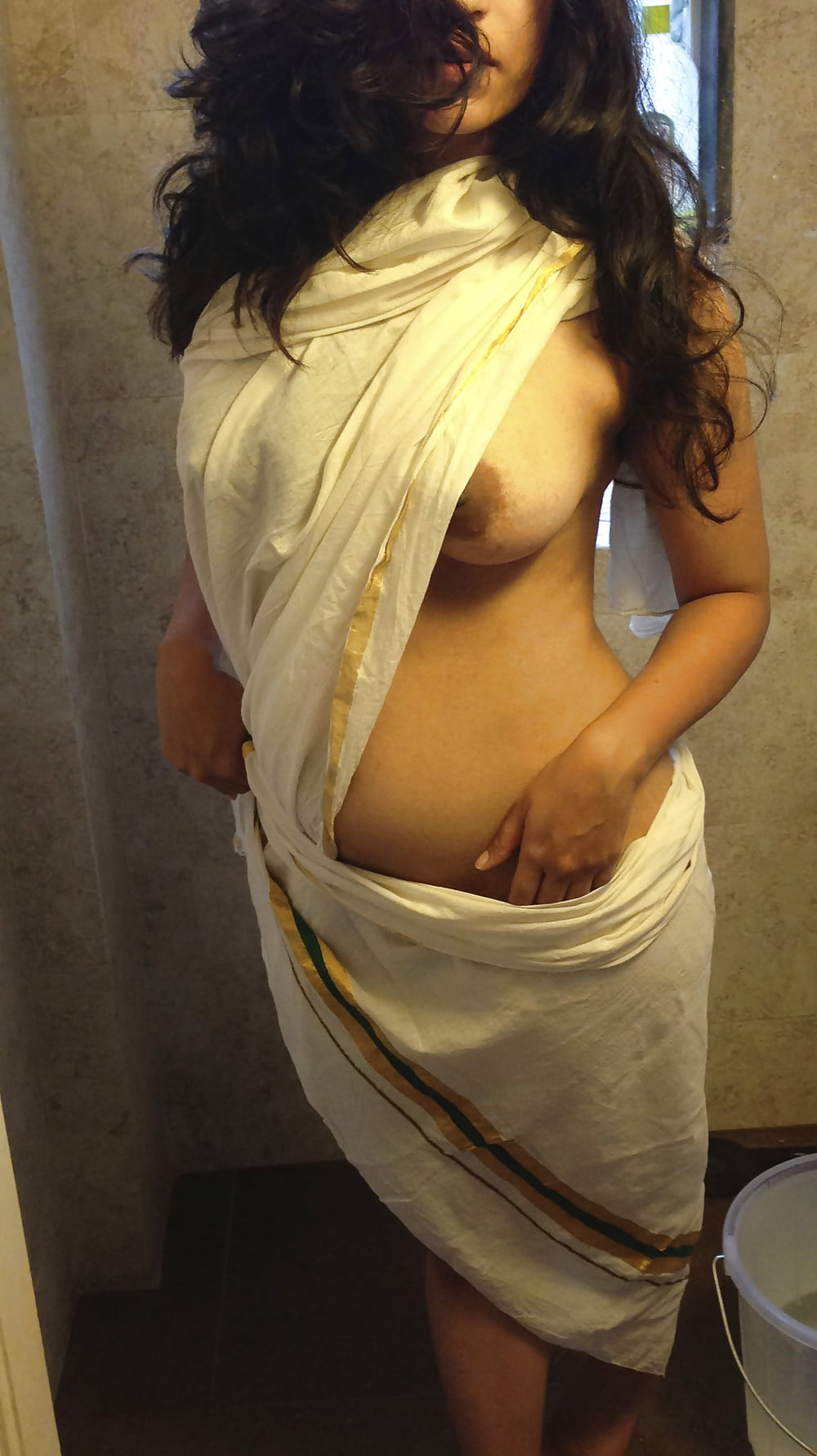 sexy-indian-girls-in-saree