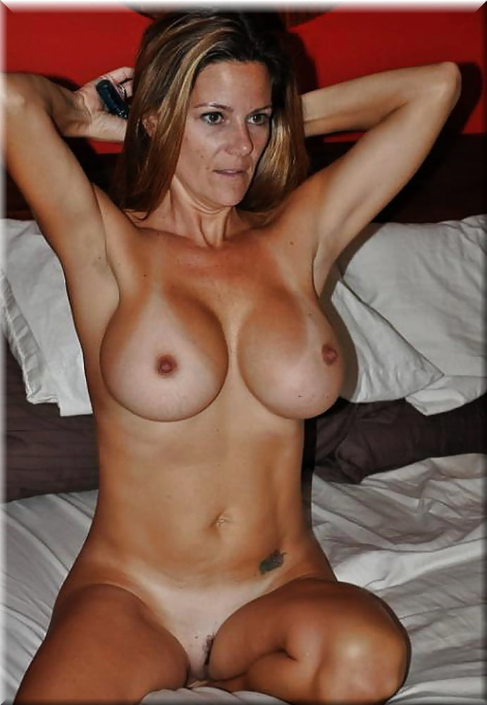 Milfs tits sex pics, hot naked moms photos