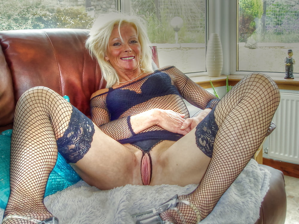 Best mature crotch pics 3
