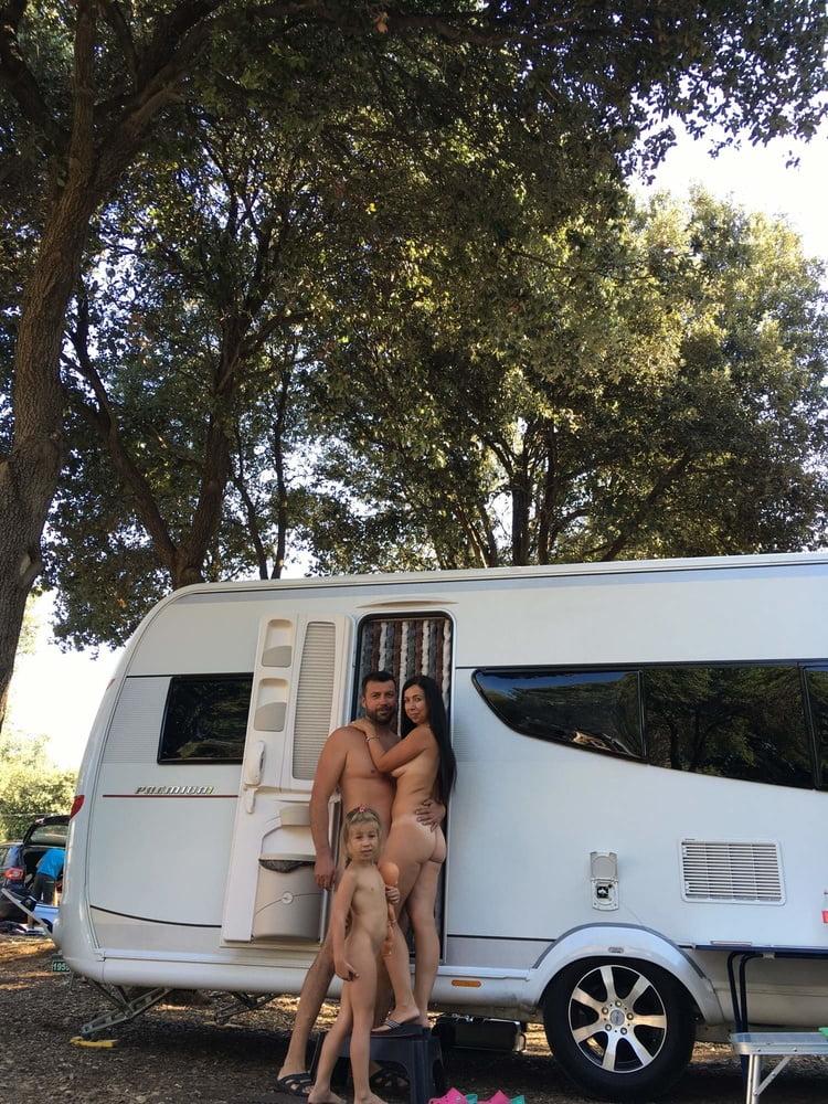 Nudes campers