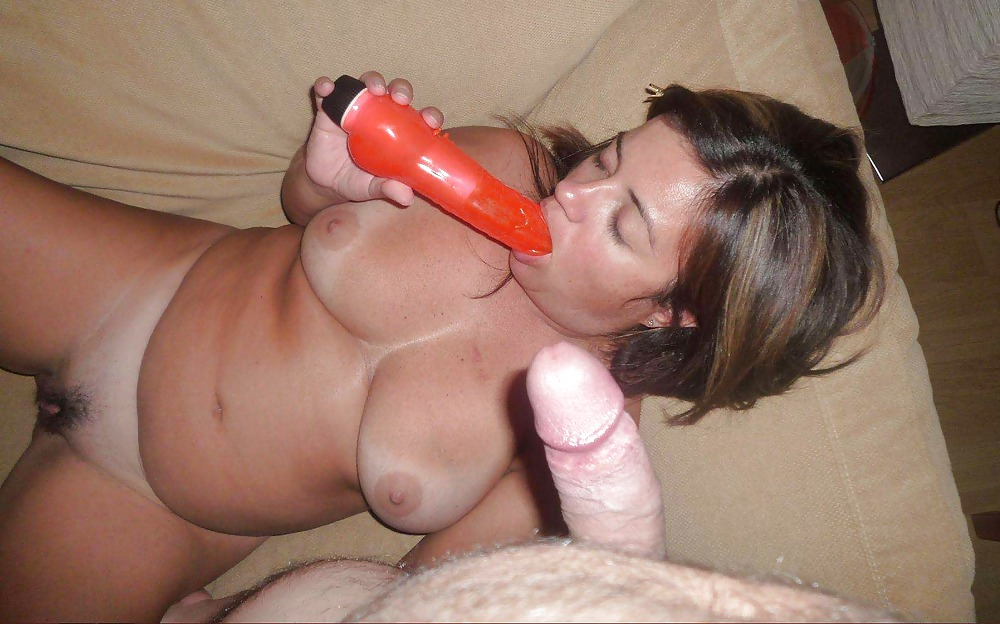 Mature wife makes her first dildo photo