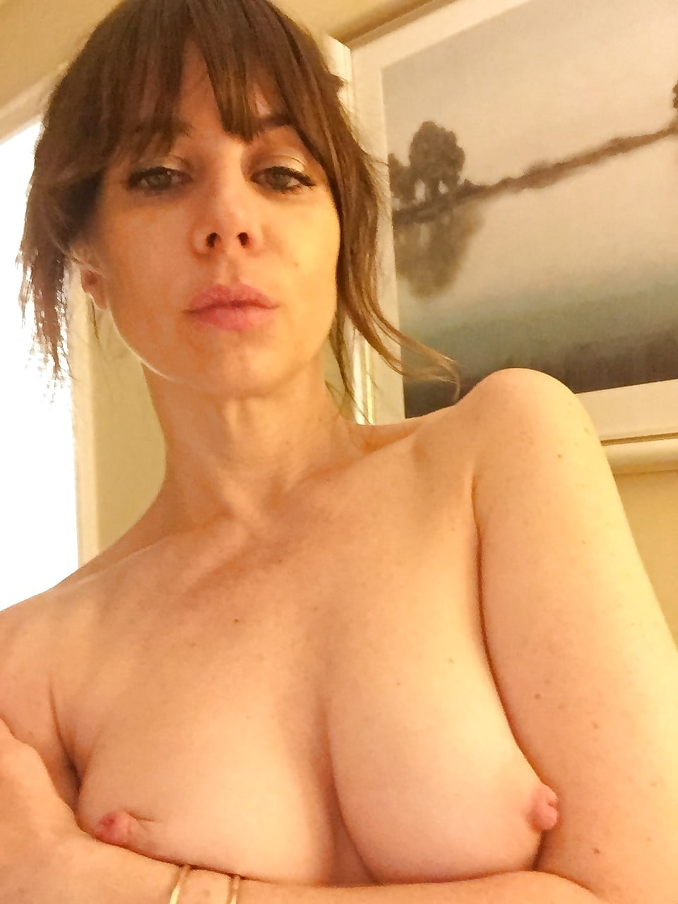 natasha-leggero-nude-naked-adult-fantasy-respirator-stories