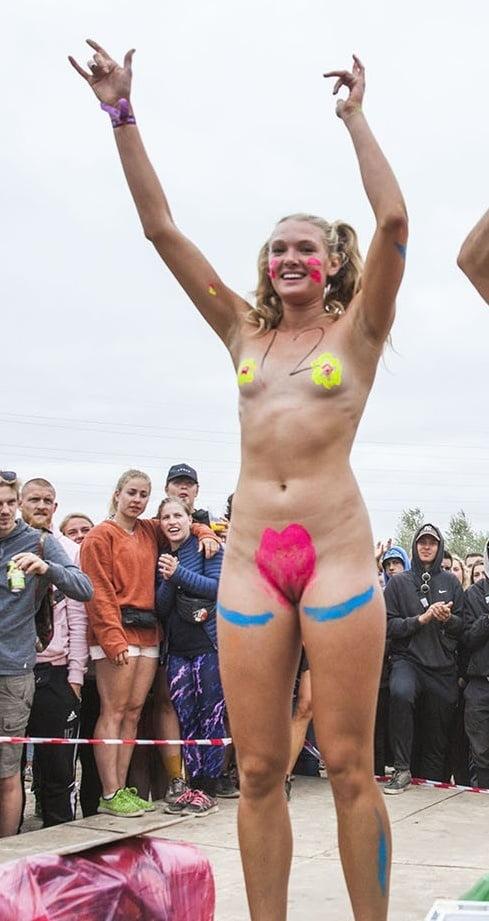 sexy naked female pornstar