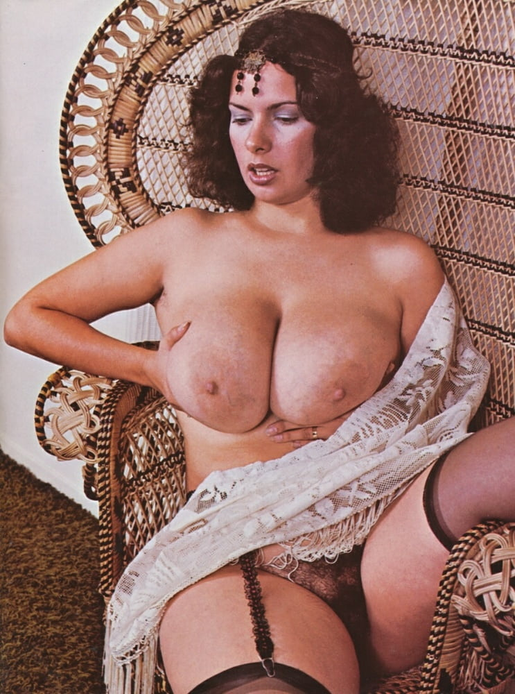 Retro Vintage Big Tits Huge Boobs