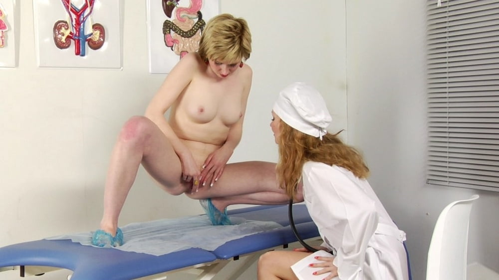 причмокиванием выпустила медосмотр девушек лесби видео погладил ножки, потрогал