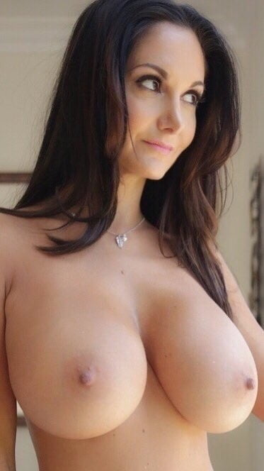 Naked women in skirts-9639