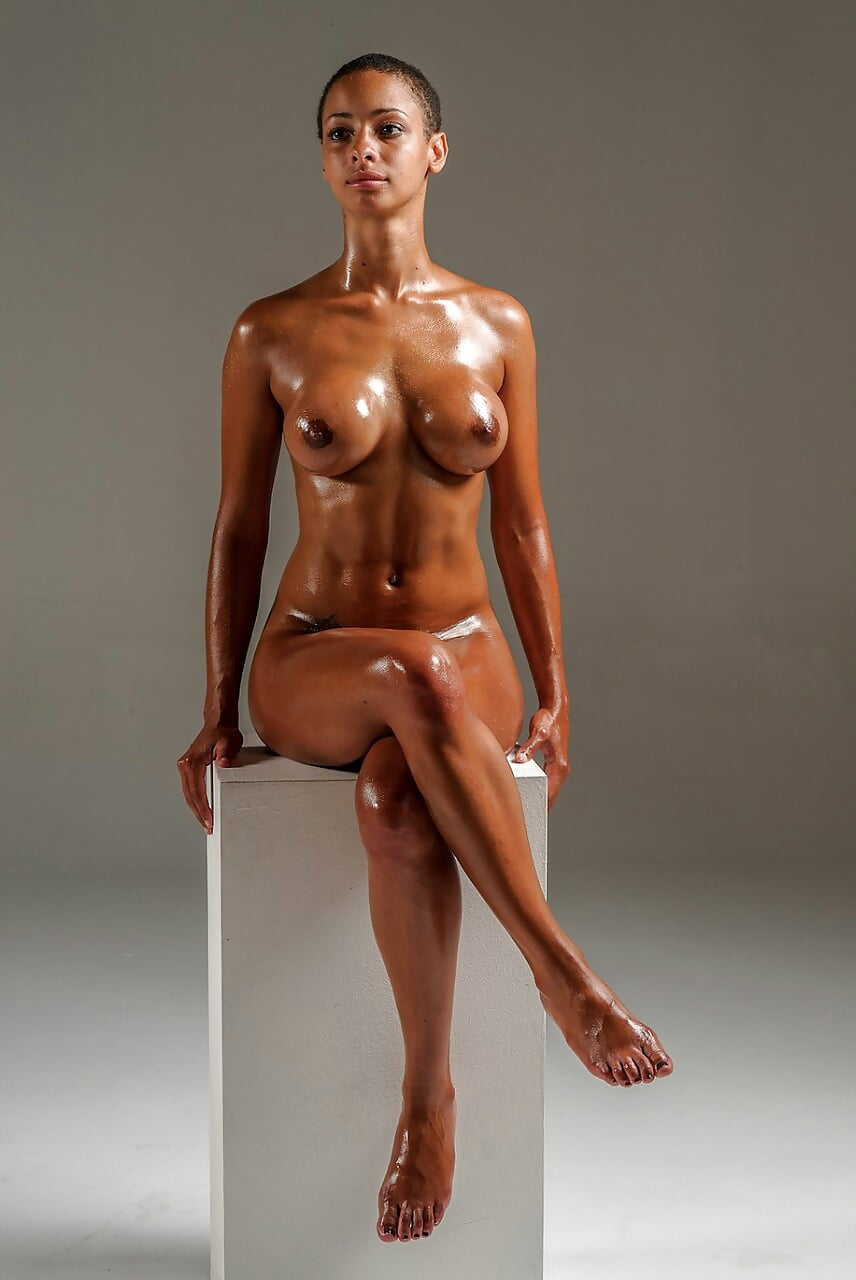 black-girls-naked-and-oily