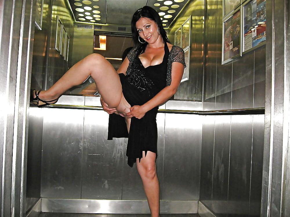 Фетиш веревки девка разделась в лифте писанием телок элитные