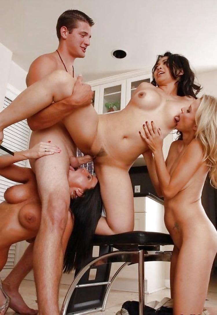 Amateur Foursome Sex With Mature Milfs