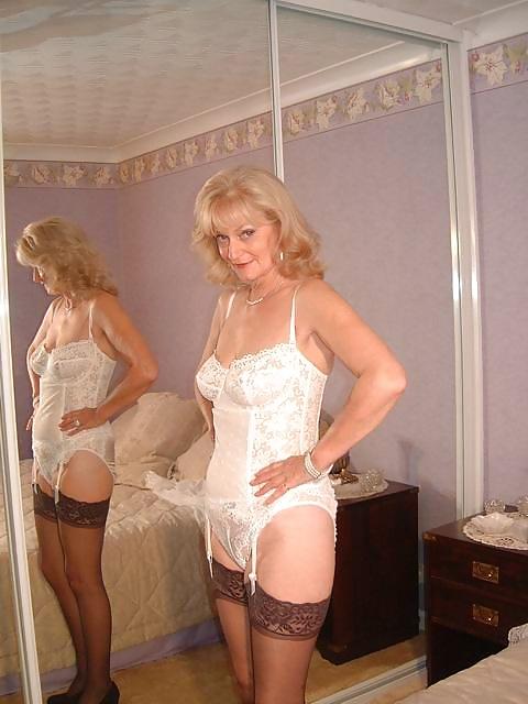 Sexy Mature Blonde Basque  Stockings - 20 Pics - Xhamstercom-5755