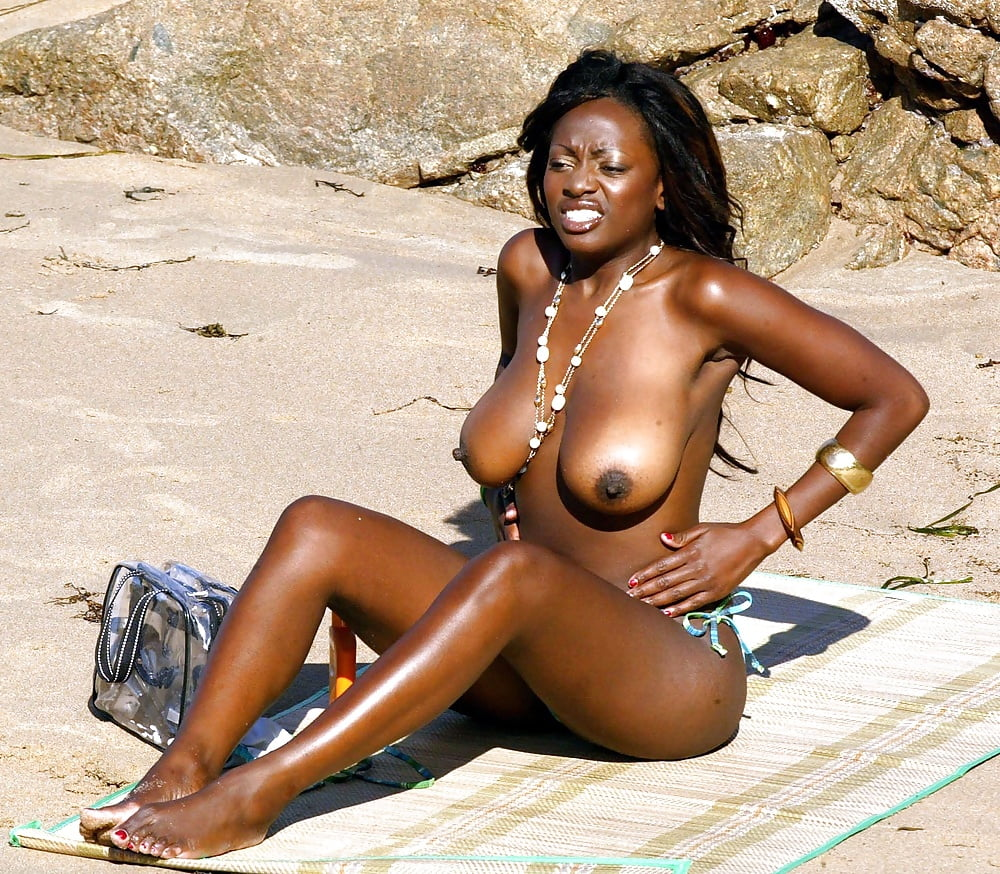 hot-jamaica-nude-women-photos-karla-spice-caught-completely-nude