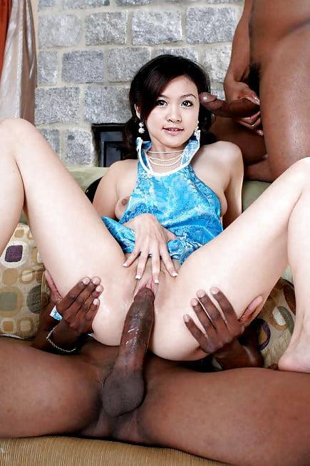 Лишение азиатка с негром