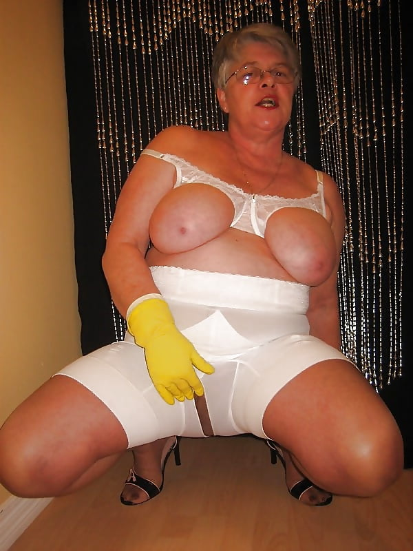 Girdle fitter porn pics