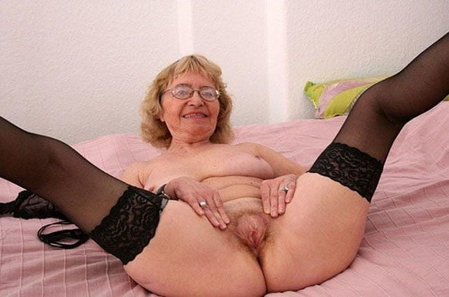 Alte Oma Poppen