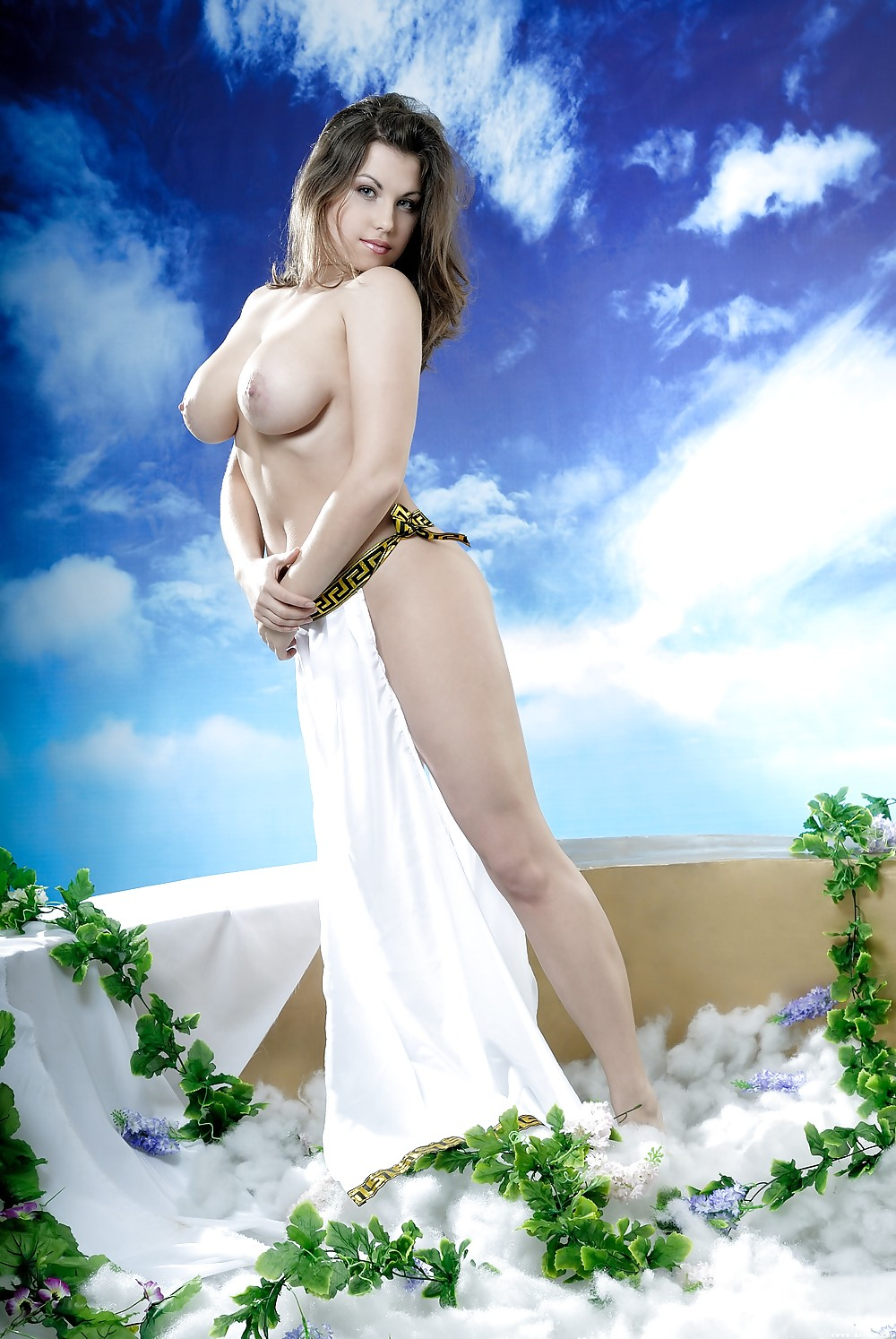 Nudes outdoors yanti the busty goddess nud mom image