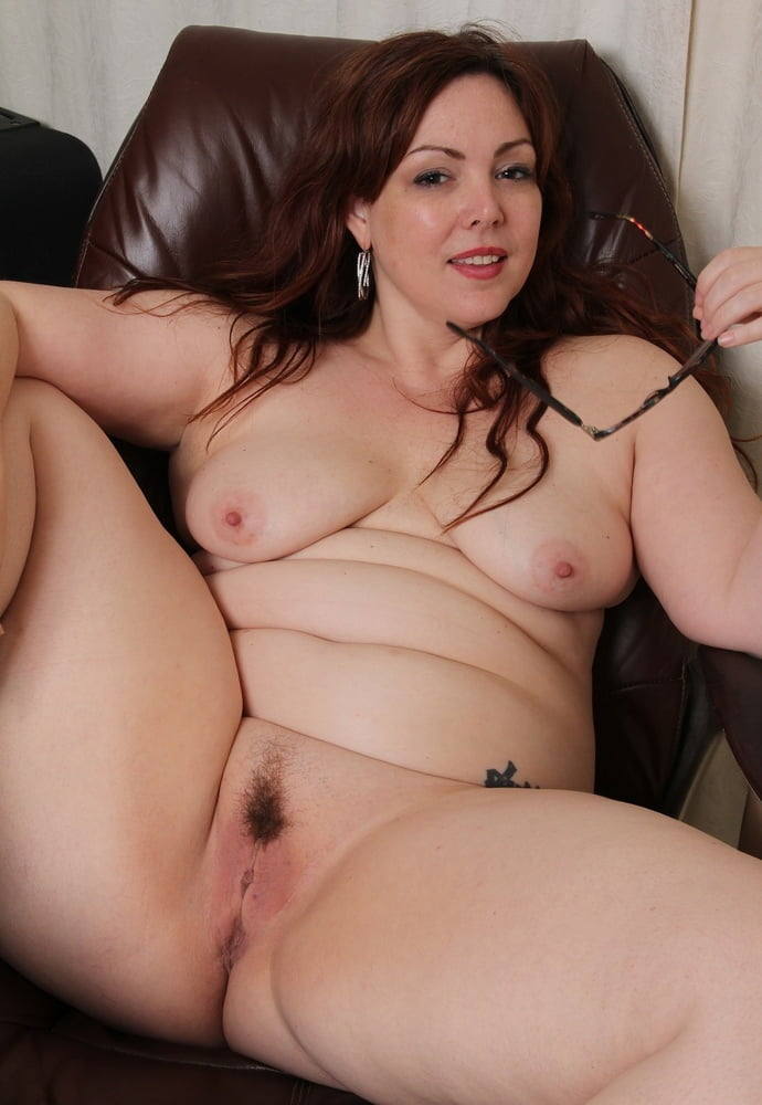 Sexy fat milf naked