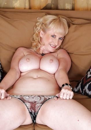 Tits Pics Nude Pepole Png