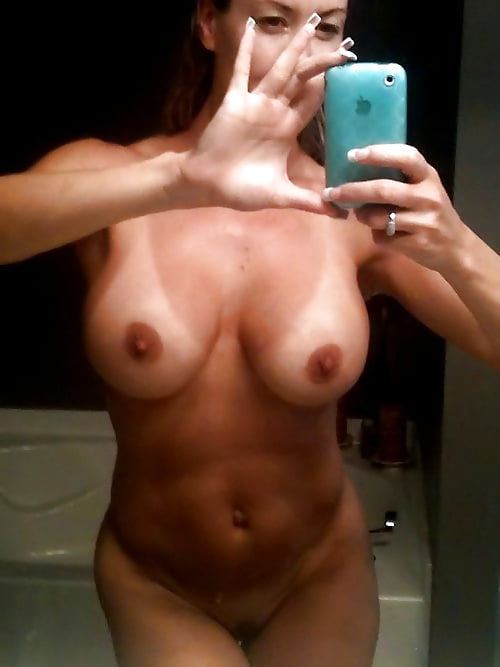 movie-site-nude-sexting-milf-chicks-fingering-themselves