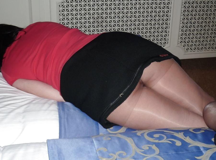 spala-yubka-u-dami-podruga-ogromnie-chleni