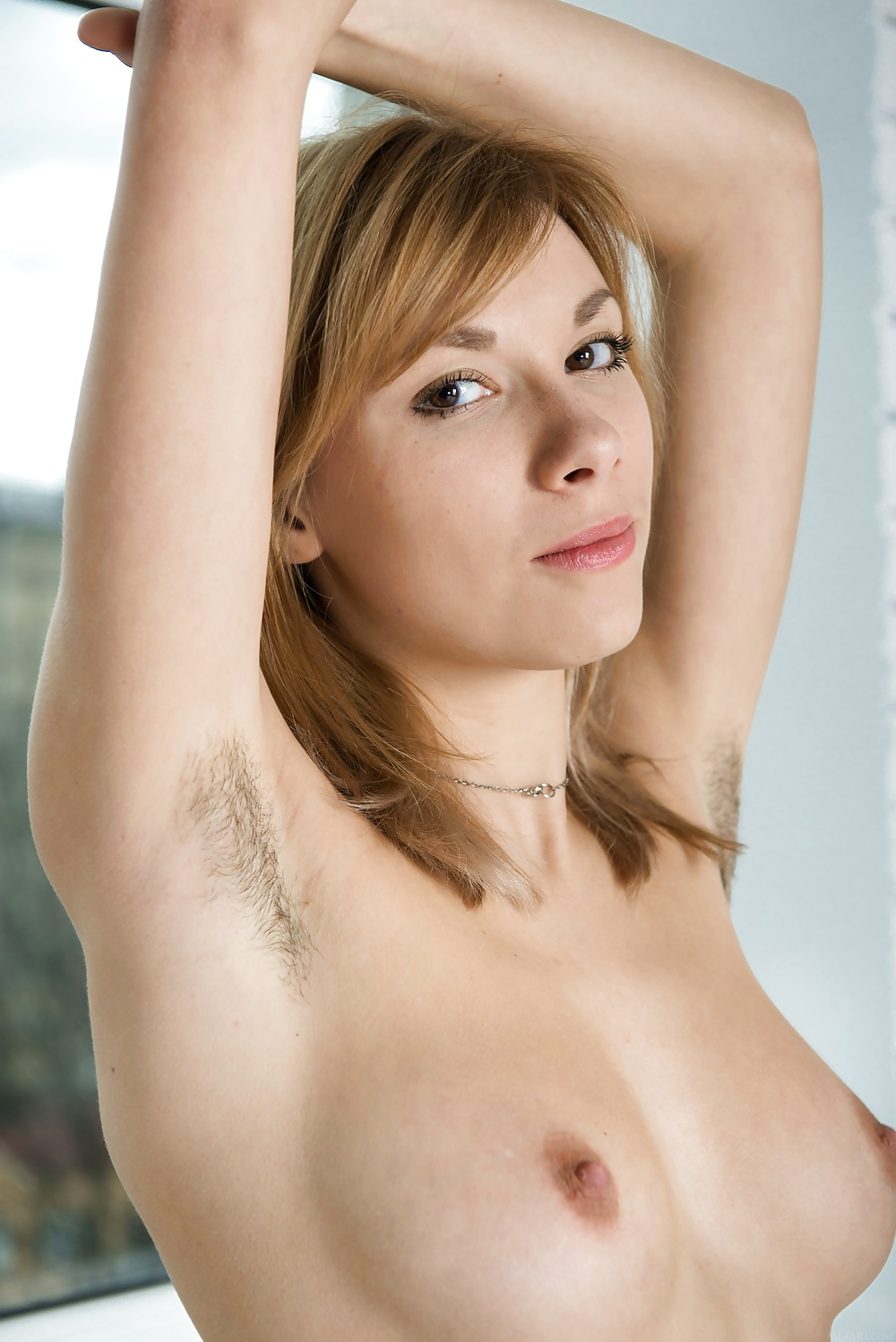 hot-naked-girl-with-hairy-armpits