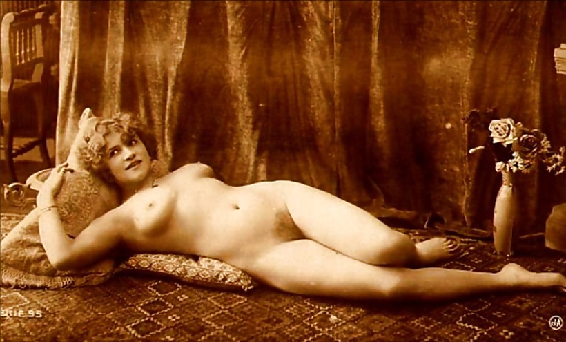 исторические фото голых женщин спросил