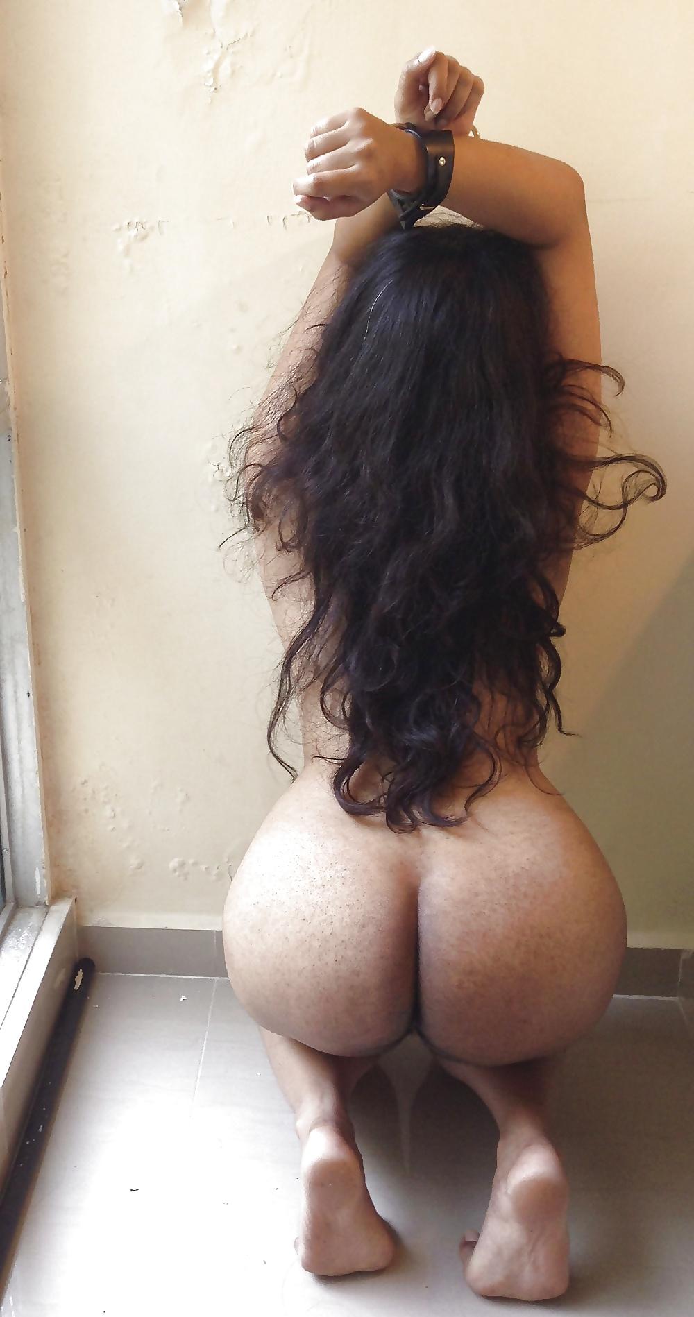 Arab big ass nude pics