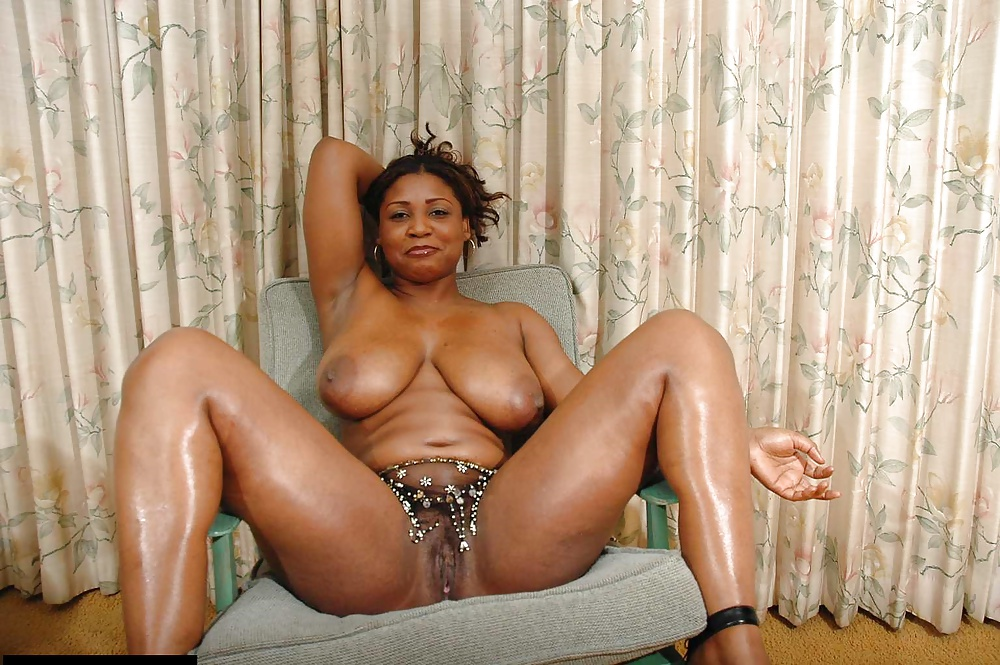Thick Black Mature Amateurs