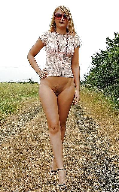 Любительские фото девушек в одежде без трусов, онлайн порно крутая бикса