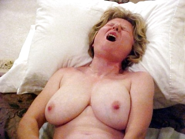 Adult gallery Porn with milfs