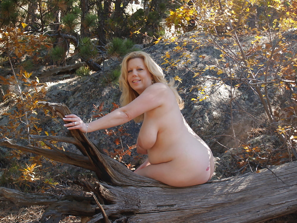 Milf naked in nature — pic 1
