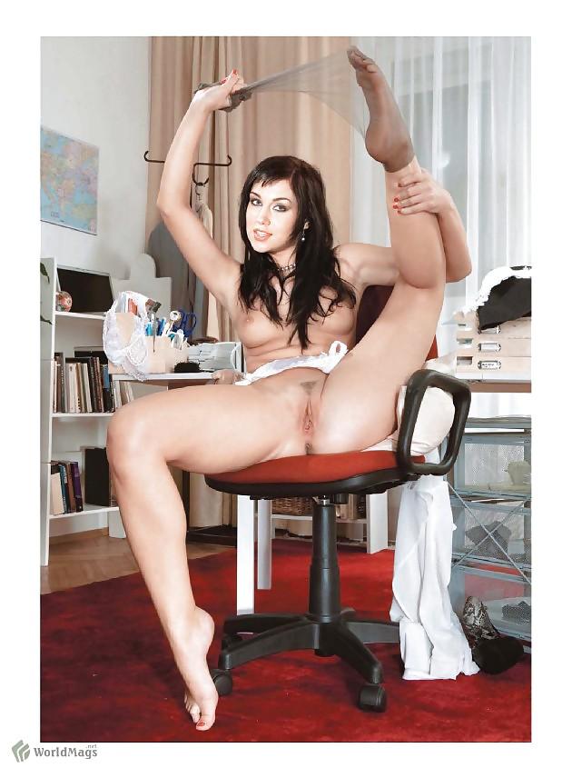 Images leg show magazine