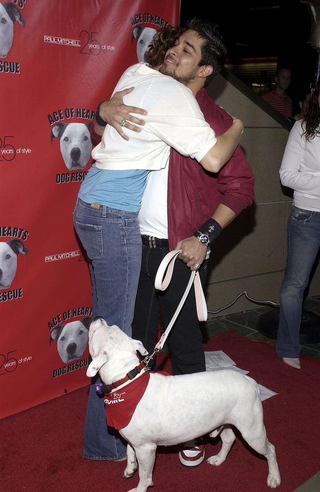 Mandy Moore - The Hollywood Dog Bowl (26 April 2005) - 10 Pics